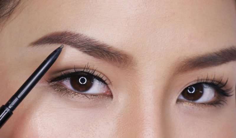 semi-permanent-eyebrows-with-wunderbrow