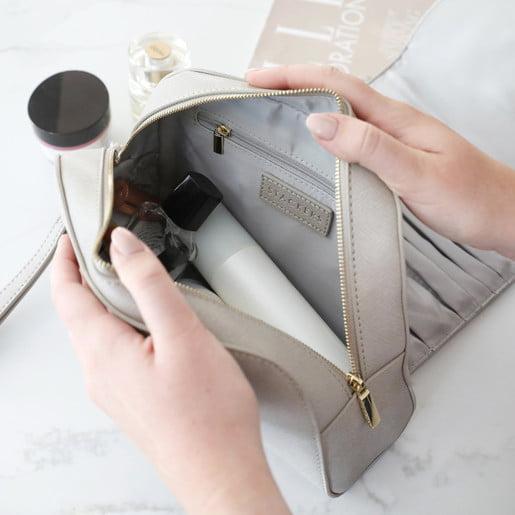 Debbie Arnold's – Celebrity Makeup – It's In The Bag